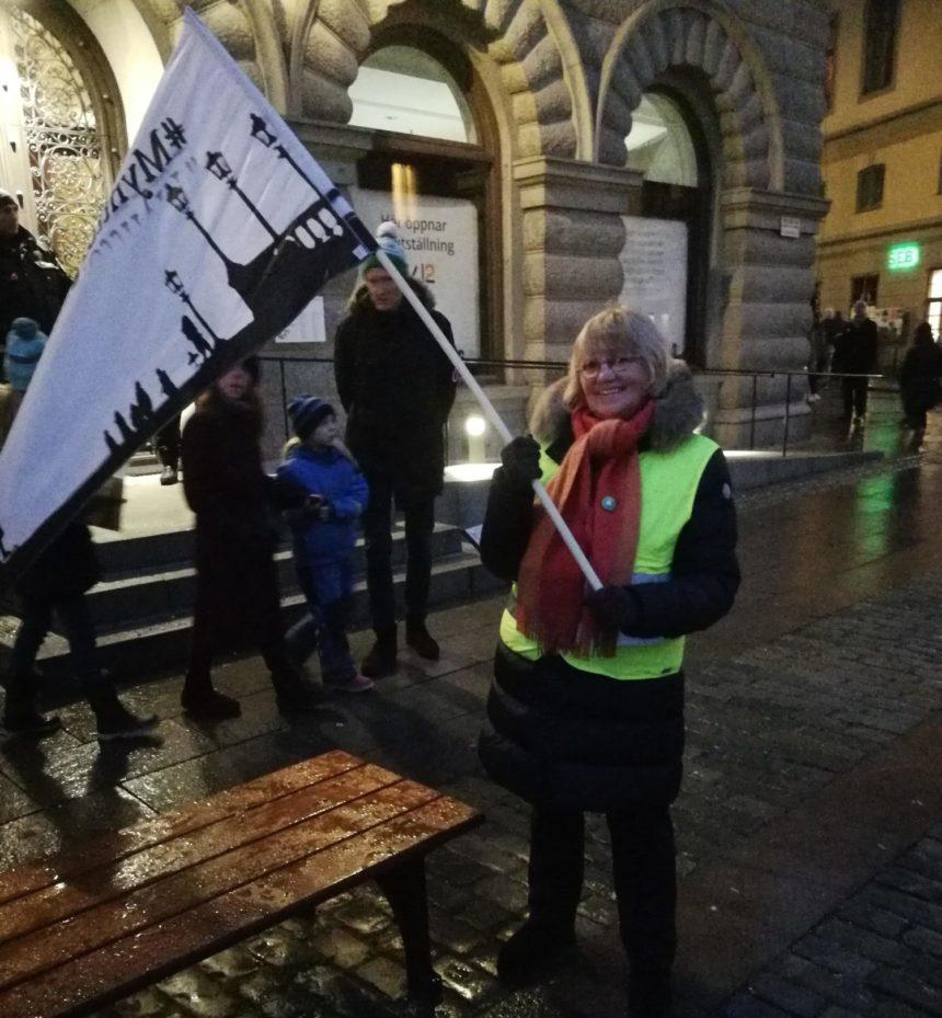 Folk har fått nog! Nya protester över hela landet. Bilder från Mynttorget.